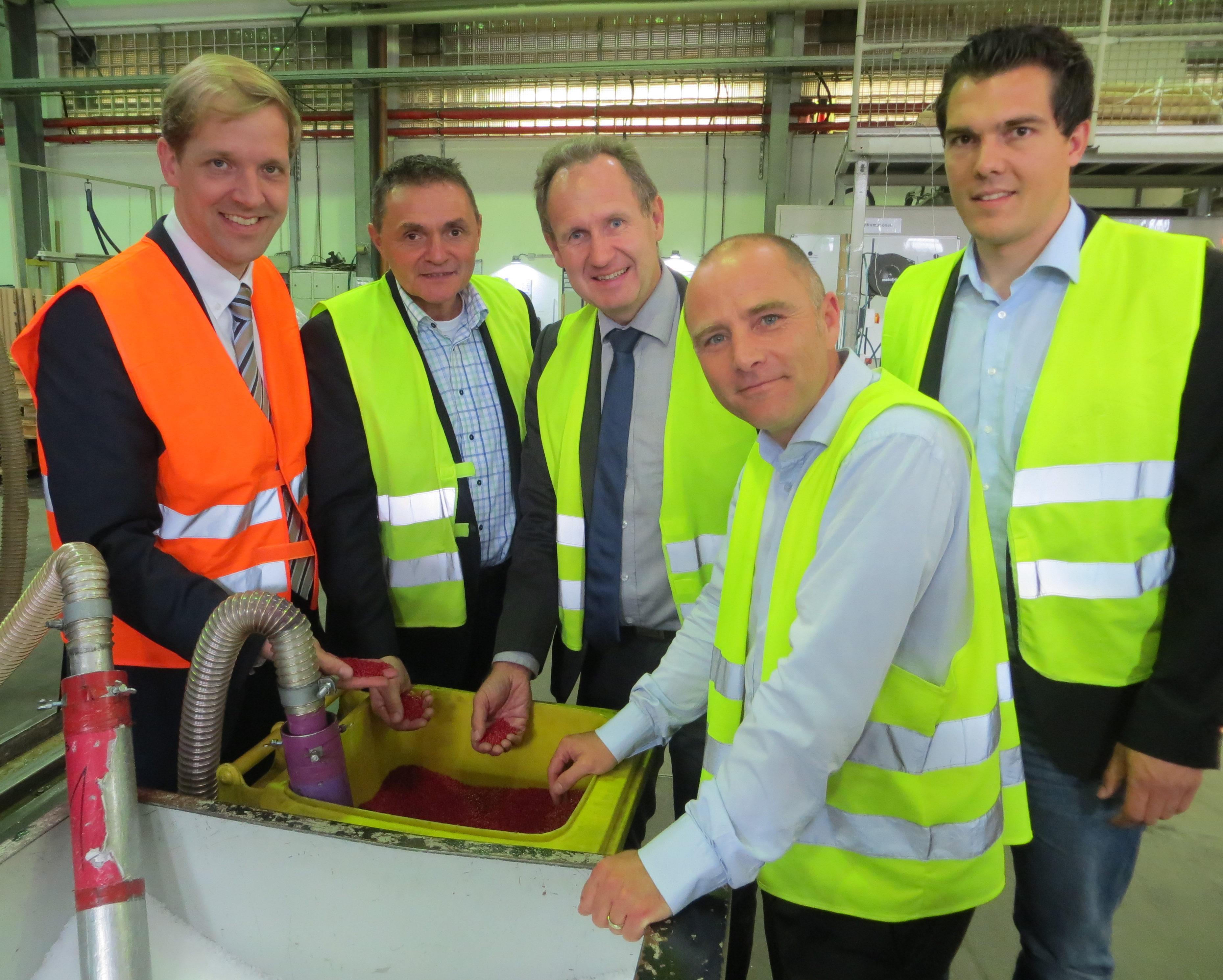 Landrat Dr. Christian Schulze Pellengahr besucht die CaPlast GmbH