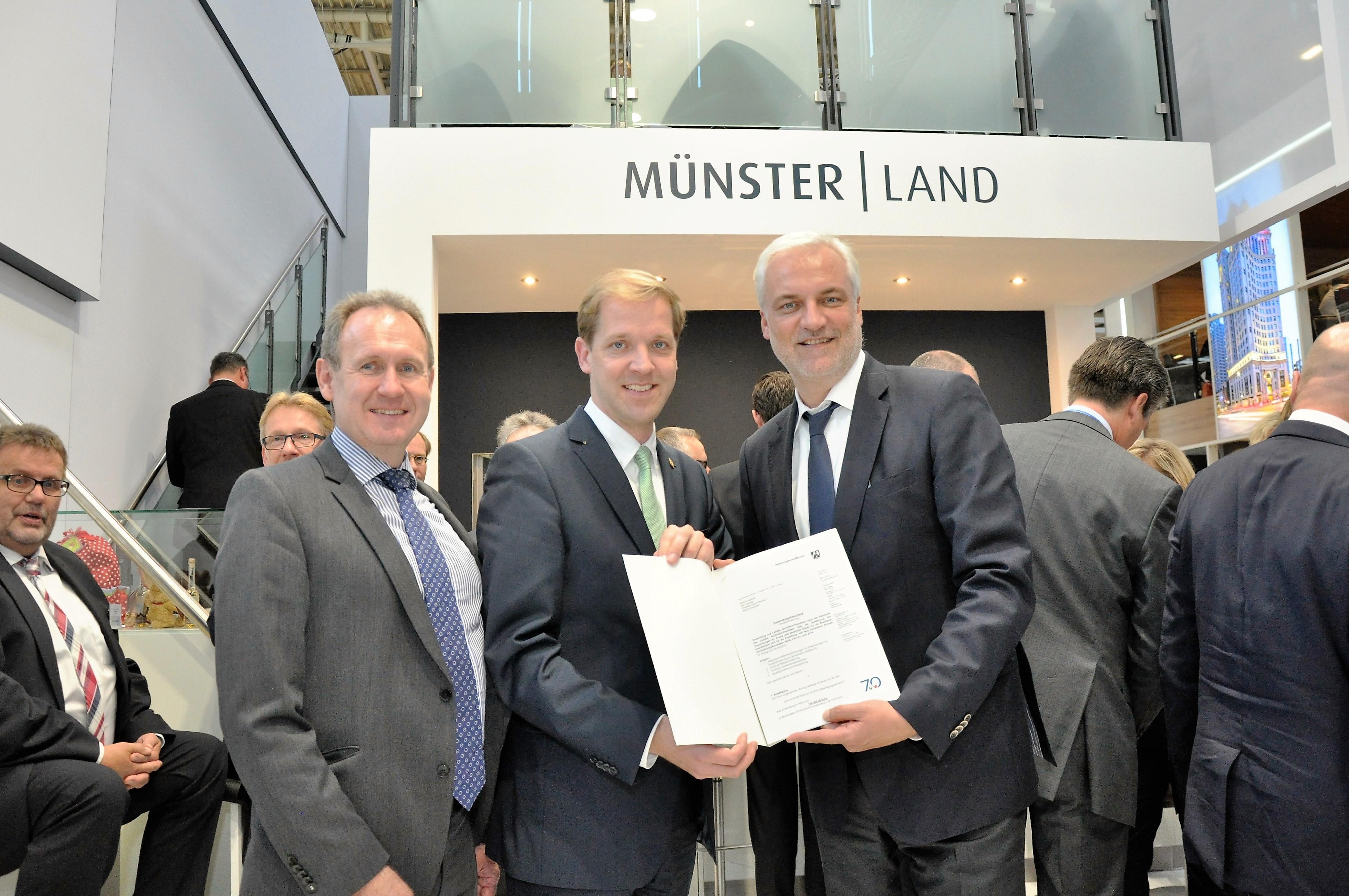 Wirtschaftsminister Garrelt Duin übergibt Förderbescheid für Breitbandkoordinator im Kreis Coesfeld