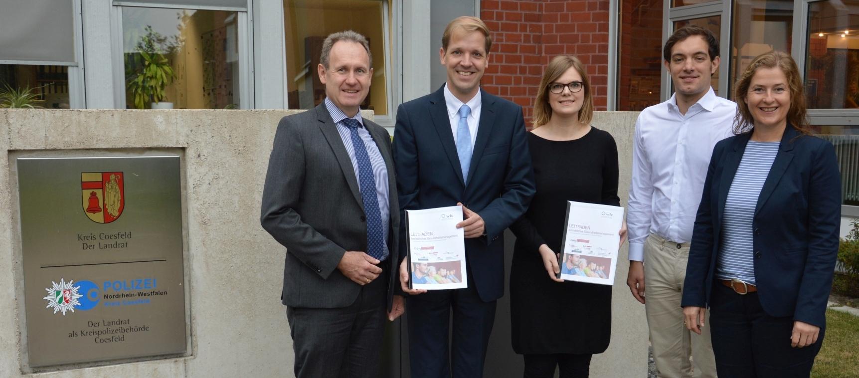 wfc, Fachhochschule Münster und Landrat Schulze Pellengahr stellen Leitfaden zum betrieblichen Gesundheitsmanagement vor
