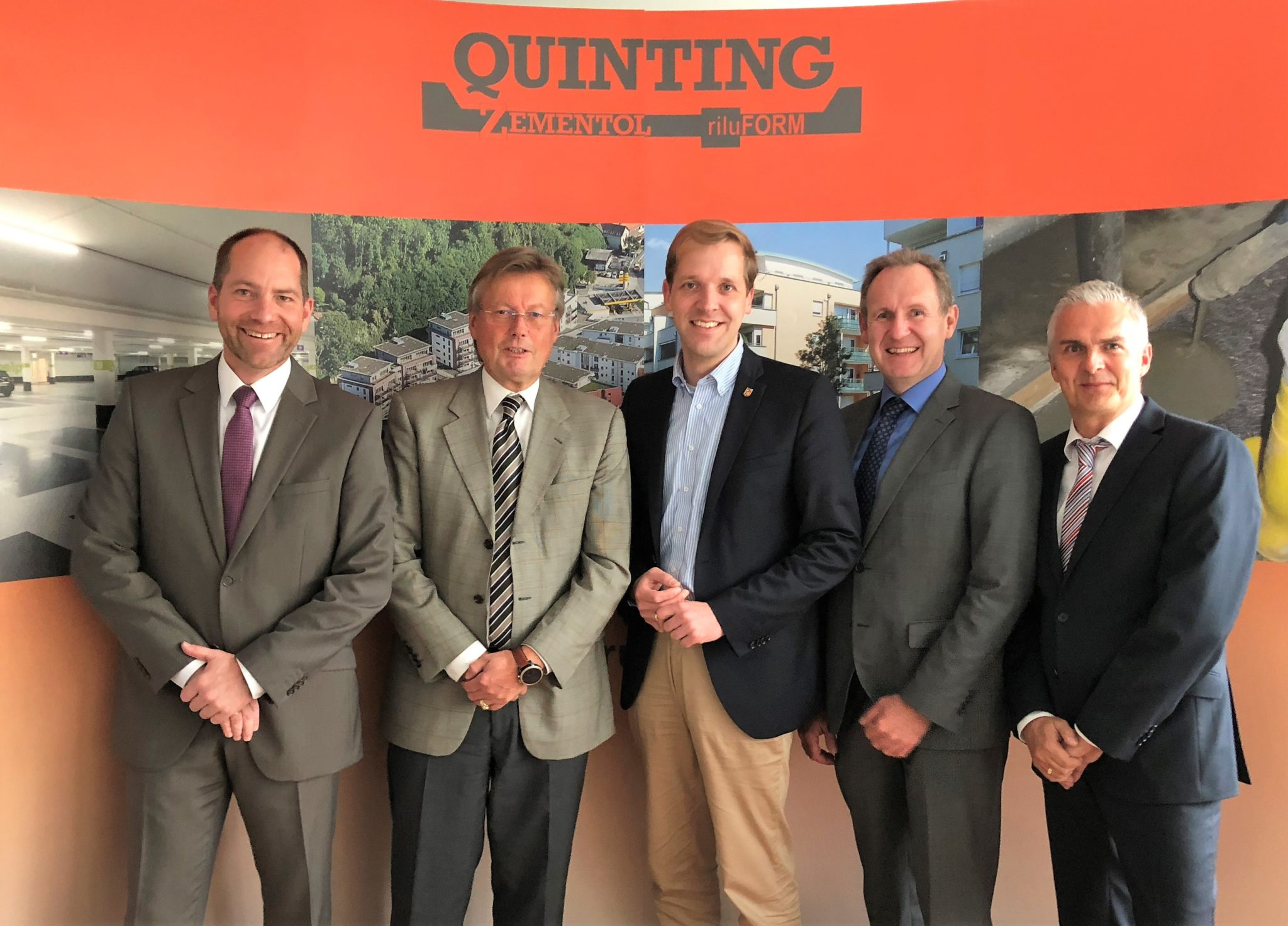 Landrat Dr. Schulze Pellengahr und wfc zu Besuch bei der die Quinting Zemtentol GmbH in Ascheberg-Herbern