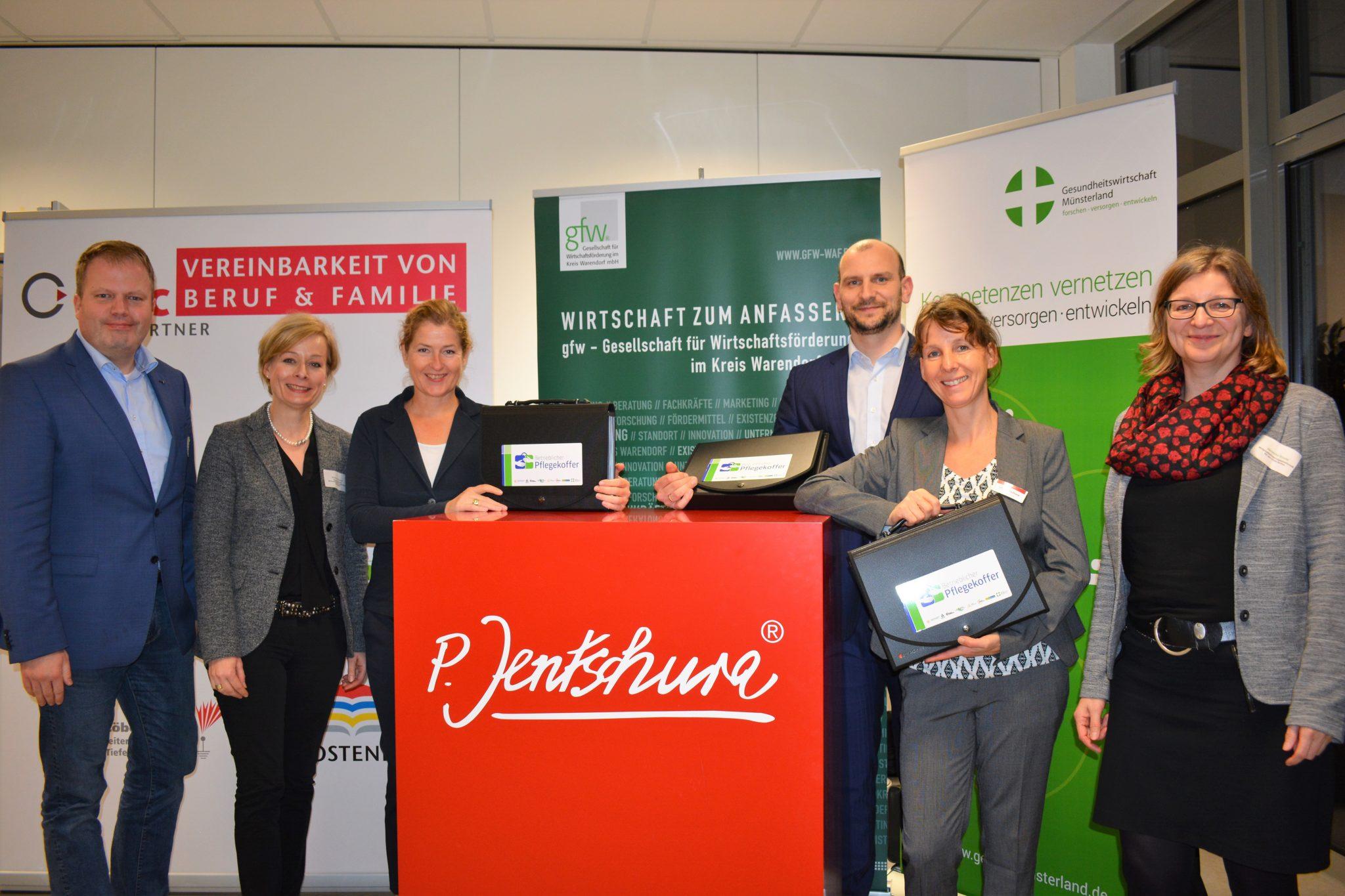 """5. Netzwerktreffen """"Vereinbarkeit von Pflege und Arbeit im Münsterland"""" stellt Neuauflage des betrieblichen Pflegekoffers vor"""