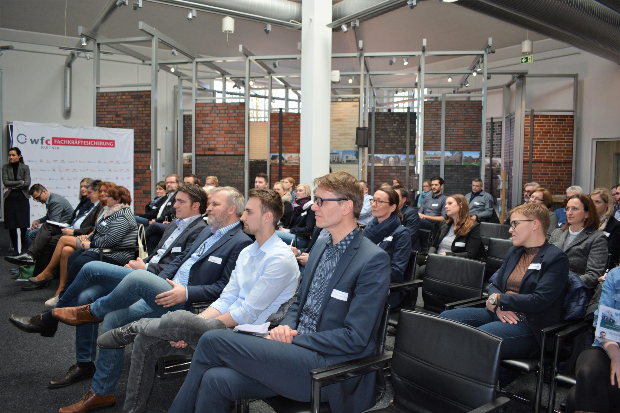 """Format """"Dialog Fachkräftesicherung"""" beleuchtete neue Wege zur Mitarbeiter-Rekrutierung"""