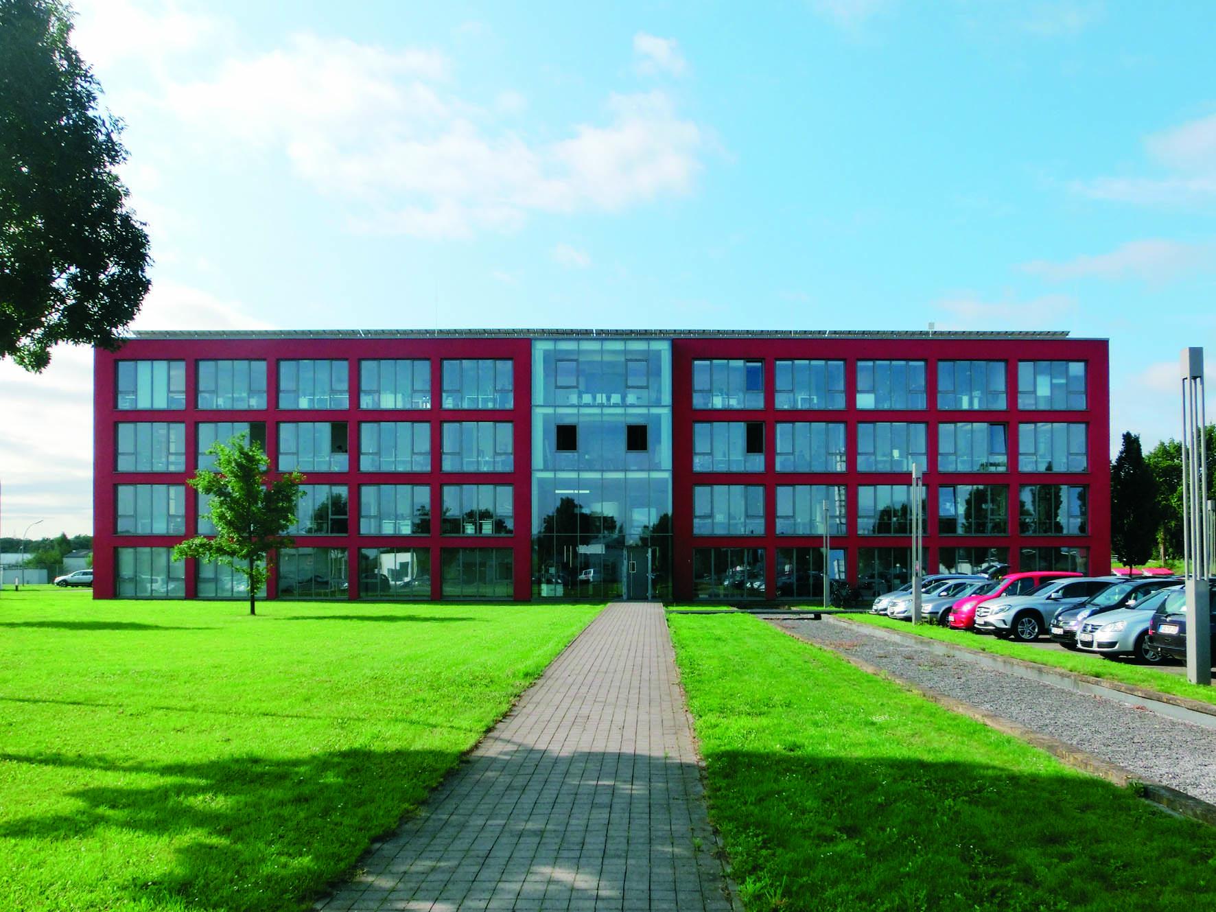 (Nr. 06110) hochwertig ausgestattete Büroräume zu vermieten