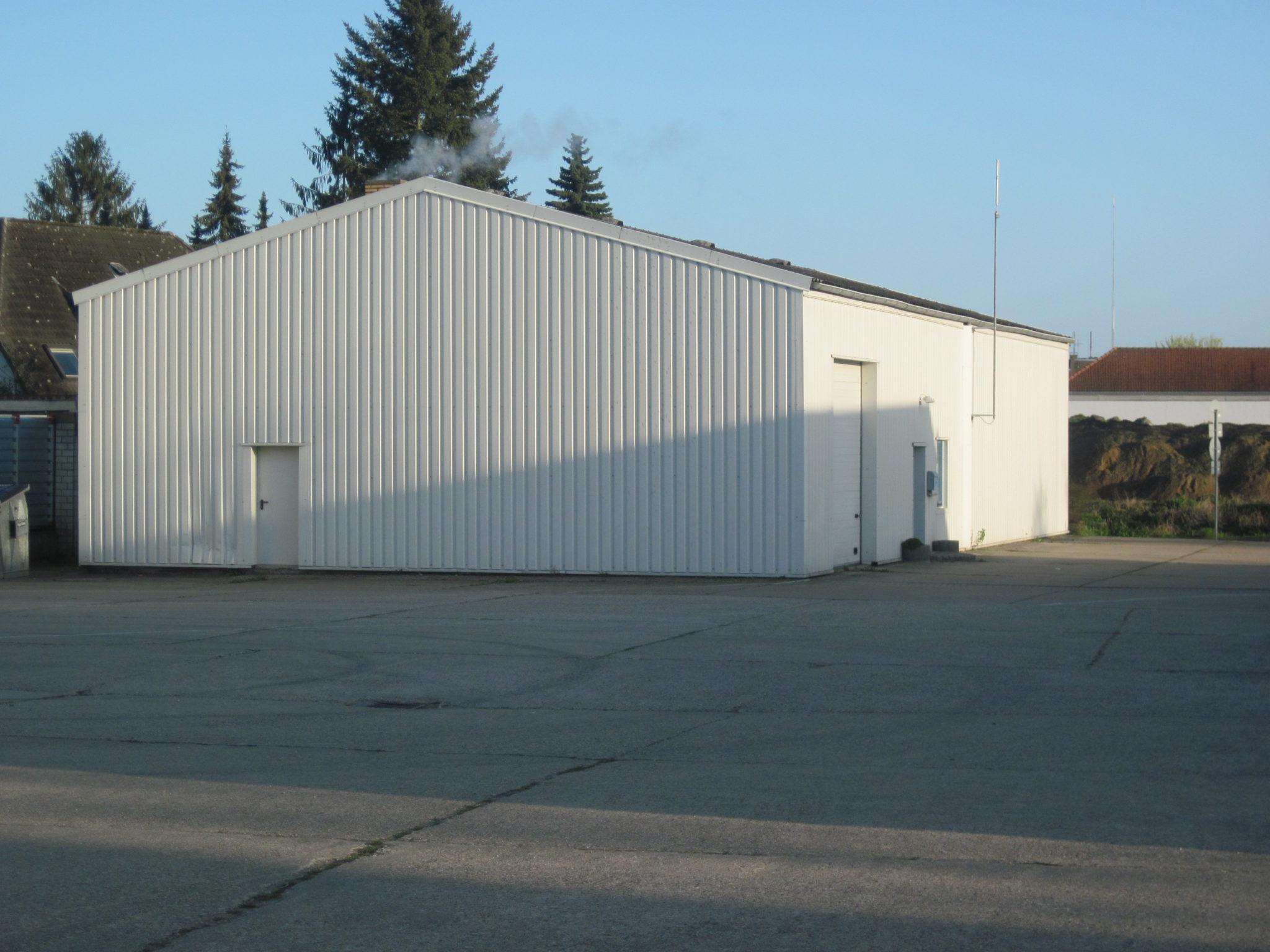 (Nr. 03123) TOP Kalthalle 325 m² im Gewerbezentrum Nähe Bahnhof