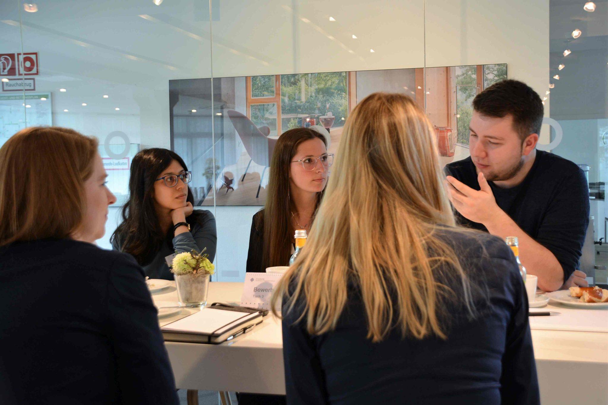 Erfolgreiche Premiere der WorkStudyContact bringt Unternehmen und Studierende offen ins Gespräch
