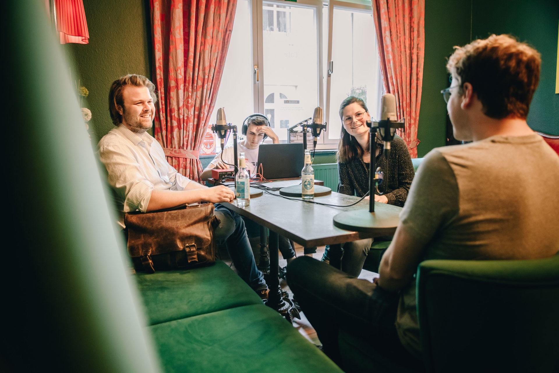 Wie war das bei dir…? Podcast-Reihe zur Unternehmensnachfolge im Münsterland gestartet