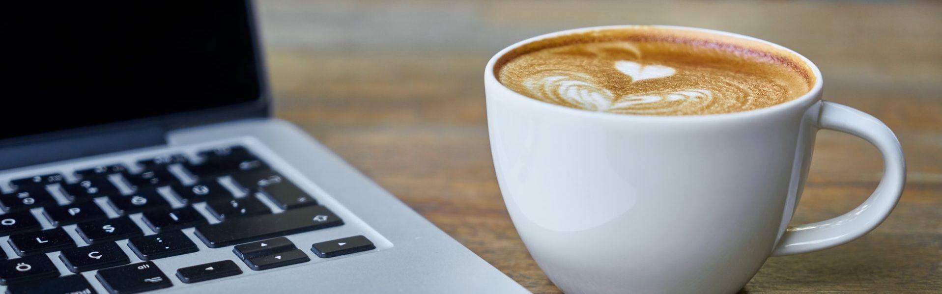 Hub-Satellit Digital Café #17: Durch Versandkommunikation zu 5-Sterne-Bewertungen