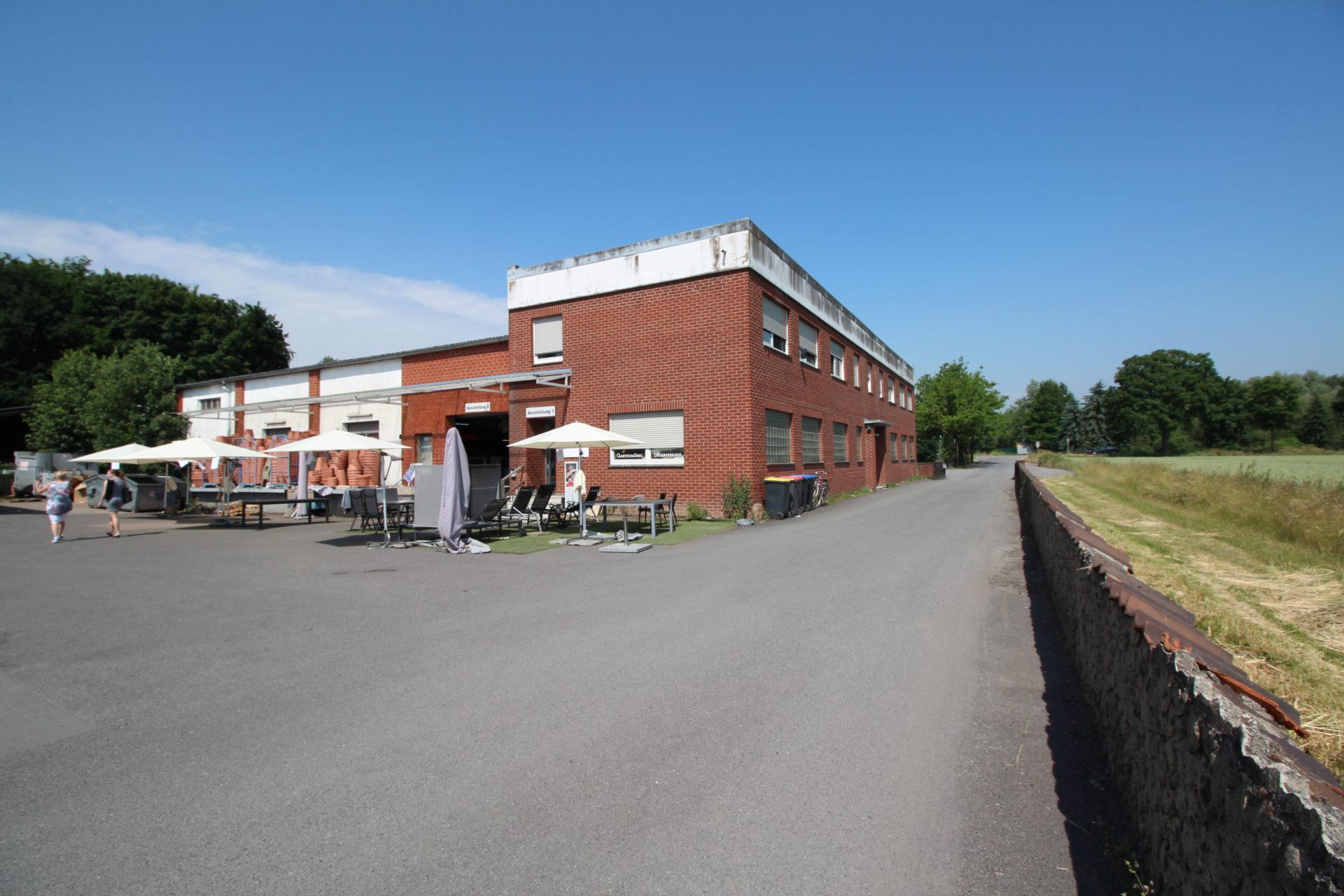 (Nr. 08158) 3 große Lagerhallen inkl. Verkaufsbereich und 1 Wohneinheit mit optimaler Anbindung in Nottuln